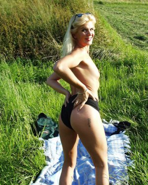 Calina backstage escort girls Glendora